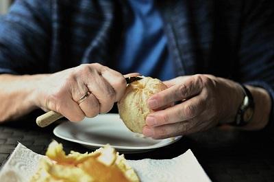 I nonni italiani evitano il cibo a domicilio