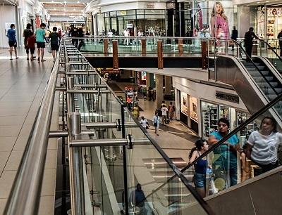 Centri commerciali e investitori: consumatori anziani nuova sfida?