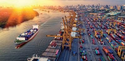 Tempesta perfetta sul sistema portuale