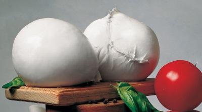 Mozzarella di Bufala Campana dop, diplomate le prime due casare