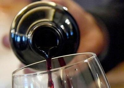 Acquisto di alcolici, in pandemia aumentano le ricerche sul web