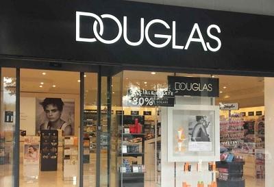 Douglas Italia chiude 128 store