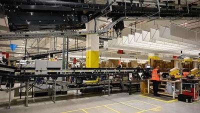 Nella logistica Amazon aumenta dell'8% il salario d'ingresso