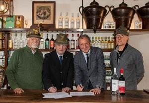 Distilleria Nardini rinnova l'accordo con gli Alpini
